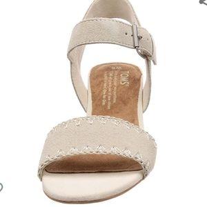 New Toms Rosa Sandals Beige Sz 6.5